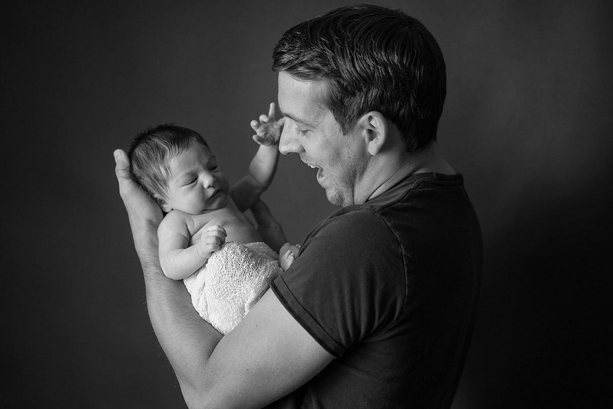 Babyfoto-Papa-Baby-mobil-Babyfotografie