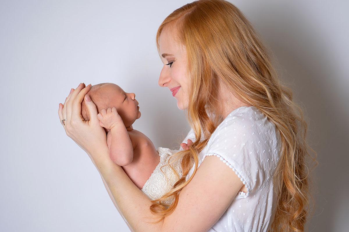 Mama-BabBaby-Newborn-Fotografie-Hanau