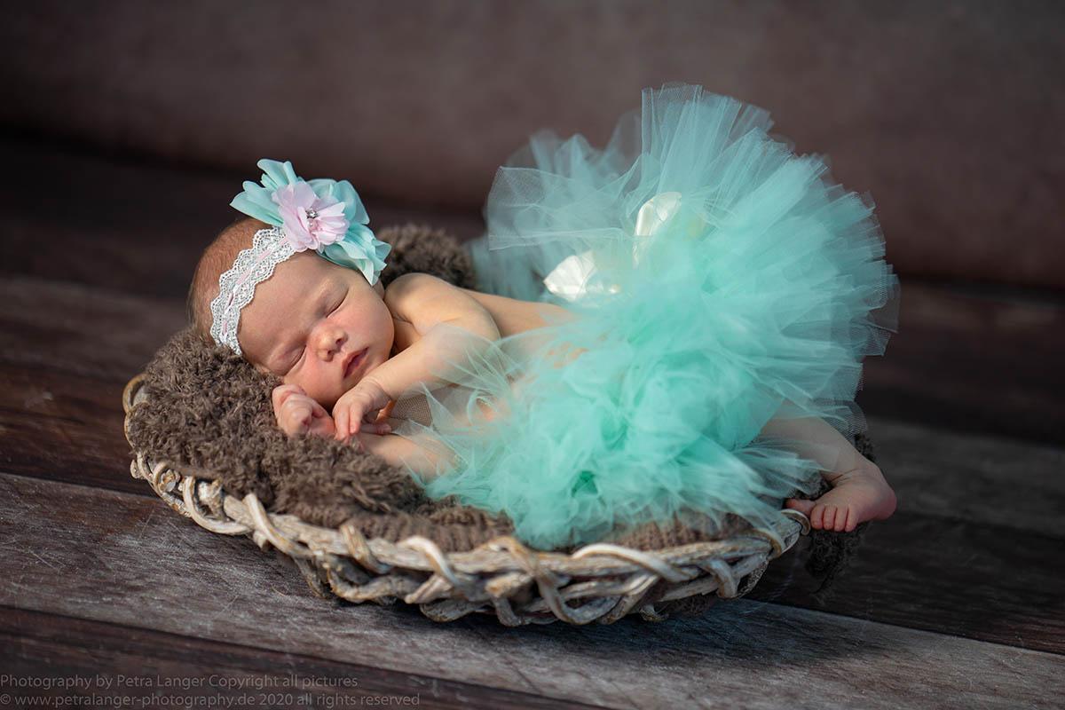 Newbornfoto-Tütül-Babyfotografin-mobil-exklusiv